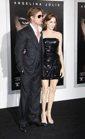 ブラッド ・ ピットとアンジェリーナ ・ ジョリー「塩」のロサンゼルス ・ プレミアでは、2010 年 7 月 19 日にグローマンズ ・ チャイニーズ ・ シア 報道画像