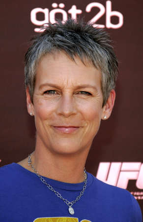 curtis: Jamie Lee Curtis at the Tony Hawk Foundation 3rd Annual Stand Up For Skateparks held at the Green Acres Estate in Beverly Hills, USA on November 5, 2006. Editorial