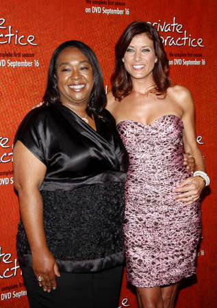 roosevelt hotel: Shonda Rhimes and Kate Walsh at the Season One DVD Launch of Private Practice held at the Tropicana Bar, Roosevelt Hotel in Hollywood, USA on September 2, 2008. Editorial