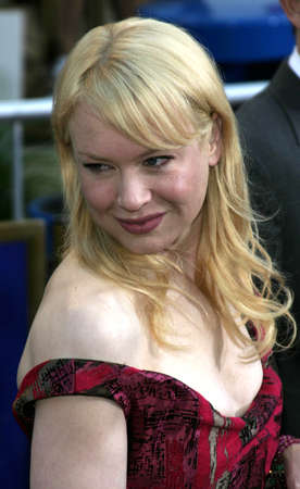 gibson: Renee Zellweger at the Los Angeles premiere of Cinderella Man held at the Gibson Amphitheatre at Universal City in Hollywood, USA on May 23, 2005. Editorial