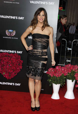 jennifer: Jennifer Garner at the Los Angeles premiere of Valentines Day held at the Graumans Chinese Theate in Hollywood, USA on February 8, 2010.