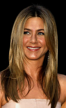 Jennifer Aniston at the Los Angeles premiere of 'The Switch' held at the ArcLight Cinemas in Hollywood, USA on August 16, 2010. 報道画像
