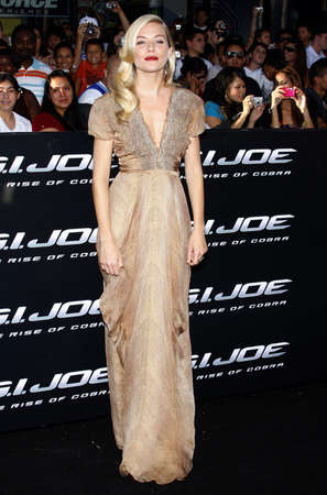 sienna: Sienna Miller at the Los Angeles premiere of G.I. Joe: The Rise of Cobra held at the Graumans Chinese Theater in Hollywood, USA on August 6, 2009.