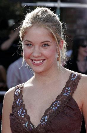 Ashley Benson bij de première van 'The Dreamer' in Los Angeles in het Mann Village Theatre in Westwood, VS op 9 oktober 2005.