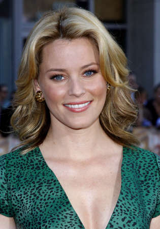 Elizabeth Banks at the World premiere of Fred Claus held at the Graumans Chinese Theater in Hollywood, USA on November 3, 2007.