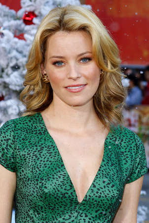 hollywood christmas: Elizabeth Banks at the World premiere of Fred Claus held at the Graumans Chinese Theater in Hollywood, USA on November 3, 2007.