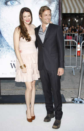 """Gabriel Macht and Jacinda Barrett at the Los Angeles premiere of 'Whiteout"""" held at the Mann Village Theatre in Westwood, USA on September 9, 2009. Sajtókép"""