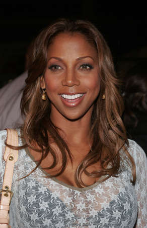 chinese holly: Holly Robinson Peete at the Los Angeles premiere of Get Rich or Die Tryin held at the Graumans Chinese Theatre in Hollywood, USA on November 3, 2005.