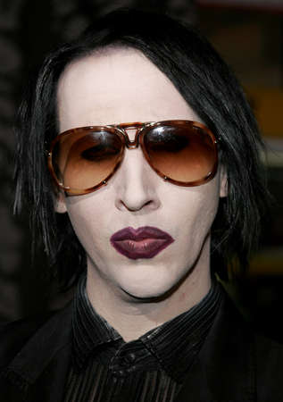 hollywood christmas: Marilyn Manson at the World premiere of The Nightmare Before Christmas 3D held at the El Capitan Theatre in Hollywood, USA on October 16, 2006. Editorial