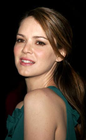 barrett: Jacinda Barrett at the Los Angeles premiere of The Last Kiss held at the Directors Guild of America in Hollywood, USA on September 13, 2006.