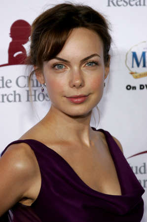 amanda: Amanda Walsh at the Runway For Life Benefiting St. Jude Childrens Research Hospital held at the Beverly Hilton in Beverly Hills, USA on September 15, 2006.