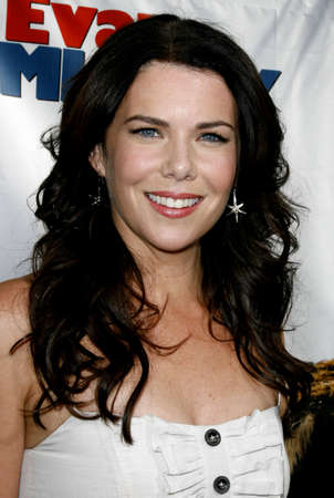 Lauren Graham at the World premiere of Evan Almighty held at the Universal Citywalk in Hollywood, USA on June 10, 2007.