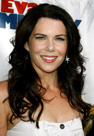 Lauren Graham at the World premiere of Evan Almighty held at the Universal Citywalk in Universal City, USA on June 10, 2007.