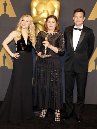colleen: Colleen Atwood, Jason Bateman and Kate McKinnon at the 89th Annual Academy Awards - Press Room held at the Hollywood and Highland Center in Hollywood, USA on February 26, 2017.