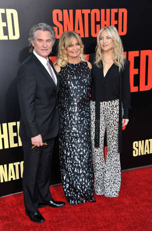 snatched: Kate Hudson, Goldie Hawn and Kurt Russell at the Los Angeles premiere of Snatched held at the Regency Village Theatre in Westwood, USA on May 10, 2017.