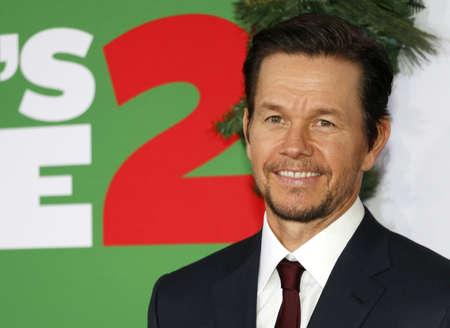 Mark Wahlberg at the Los Angeles premiere of Daddys Home 2 held at the Regency Village Theatre in Westwood, USA on November 5, 2017. Sajtókép
