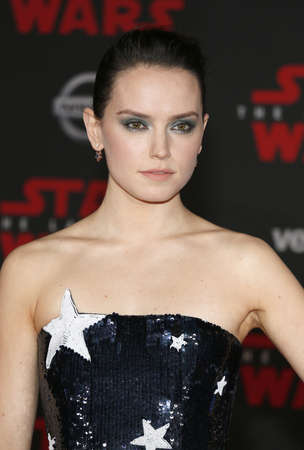Daisy Ridley at the World premiere of 'Star Wars: The Last Jedi' held at the Shrine Auditorium in Los Angeles, USA on December 9, 2017. 報道画像