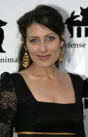 Lisa Edelstein at the IDA Awards - In Defense of Animals Hosts 2nd Annual Guardian Award held at the Paramount Studios in Los Angeles, USA on October 30, 2004. Imagens - 111250333