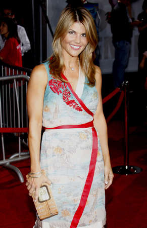 Lori Loughlin at the Los Angeles premiere of High School Musical 3: Senior Year held at the Galen Center in Los Angeles, USA on October 16, 2008. 報道画像
