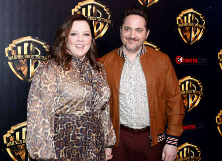 Ben Falcone and Melissa McCarthy at the 2019 CinemaCon - Warner Bros. Pictures 'The Big Picture' Presentation held at the Caesars Palace in Las Vegas, USA on April 2, 2019. Archivio Fotografico - 120171452