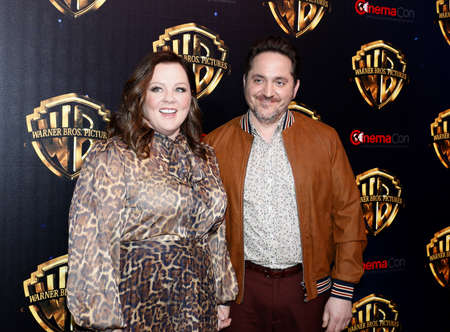 Ben Falcone and Melissa McCarthy at the 2019 CinemaCon - Warner Bros. Pictures 'The Big Picture' Presentation held at the Caesars Palace in Las Vegas, USA on April 2, 2019. Archivio Fotografico - 120171453