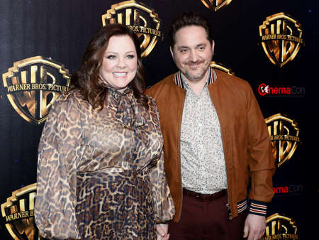 Ben Falcone and Melissa McCarthy at the 2019 CinemaCon - Warner Bros. Pictures 'The Big Picture' Presentation held at the Caesars Palace in Las Vegas, USA on April 2, 2019. Archivio Fotografico - 120753660