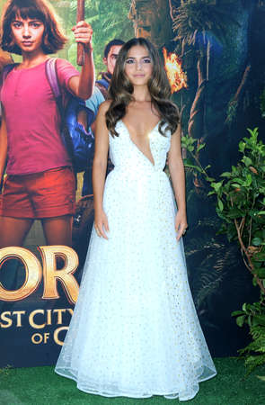 Isabela Moner at the Los Angeles premiere of 'Dora And The Lost City Of Gold' held at the Regal Cinemas L.A. Live in Los Angeles, USA on July 28, 2019. 新聞圖片