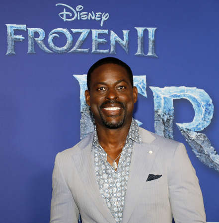 Sterling K. Brown at the World premiere of Disneys Frozen 2 held at the Dolby Theatre in Hollywood, USA on November 7, 2019. Editöryel