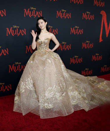 Yifei Liu at the World premiere of Disney's 'Mulan' held at the Dolby Theatre in Hollywood, USA on March 9, 2020. 報道画像