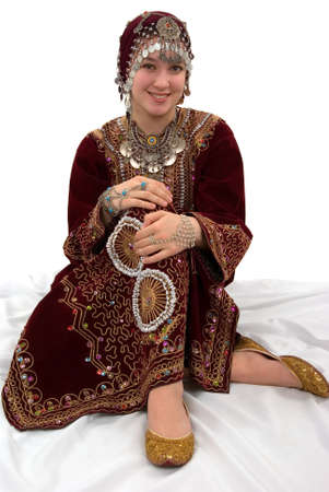 cultural diversity: Muchacha �tnica que usa la ropa tradicional
