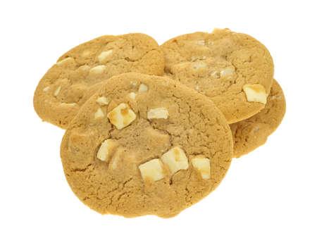 macadamia: Plusieurs t�moins de noix de macadamia au chocolat blanc sur un fond blanc