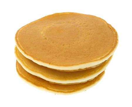 Een stapel van drie gewone pannenkoeken op een witte achtergrond Stockfoto