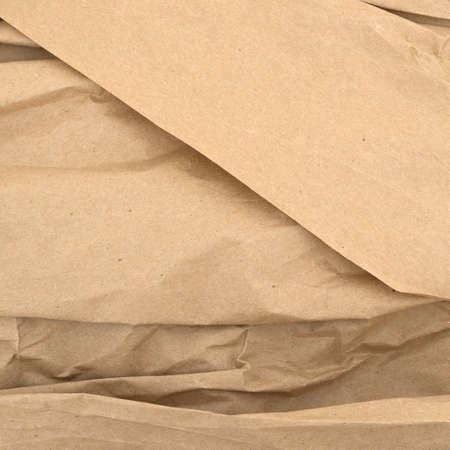 しわとしわのある茶色の包装紙を使用しました。