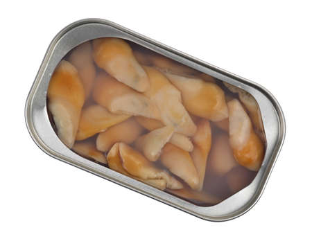 Top view of an open tin of razor clams in water isolated on a white background. Imagens