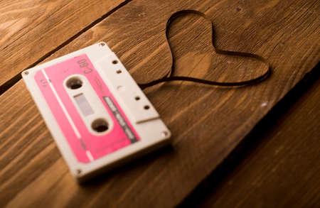 Audiocassetteband in de vorm van hart Stockfoto