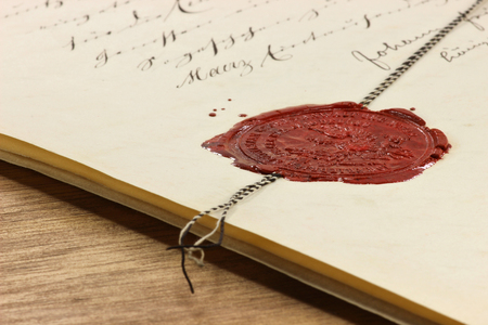 antieke lak zegel op oude notariële akte