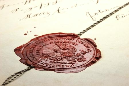 sigillo di cera d'epoca sul vecchio documento notarile Archivio Fotografico
