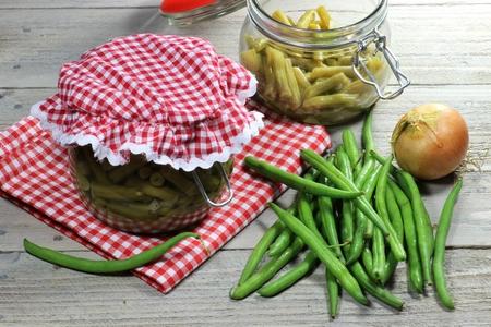 Thuis groene bonen in blik Stockfoto