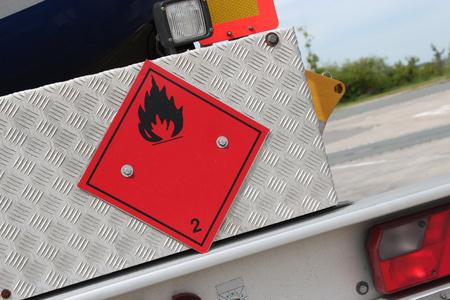 Pictograma de peligro químico - líquidos inflamables Foto de archivo - 51782890
