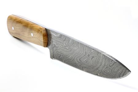 cuchillo de cocina: hecha a mano del cuchillo de cocina de Damasco aislado en el fondo blanco Foto de archivo