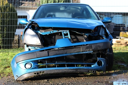 fully comprehensive: accident damaged car Stock Photo