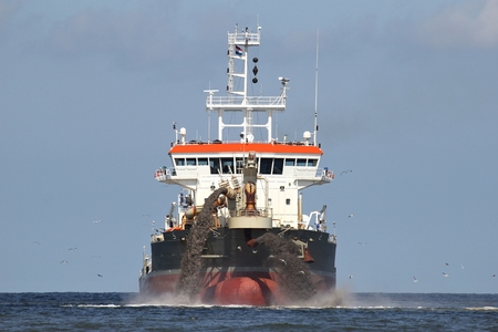 trailing: trailing suction hopper dredger creating country