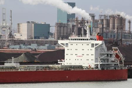 the carrier: Bulk Carrier