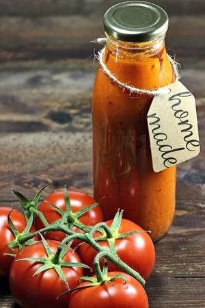 tomato catsup: homemade tomato ketchup