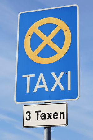 taxicabs: German road sign: taxi rank