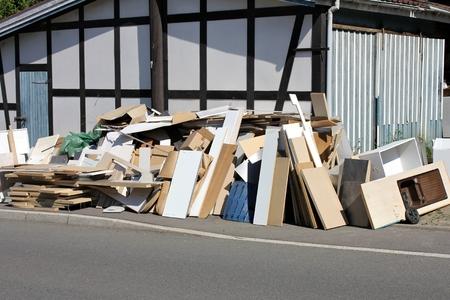 道端でコレクションの粗大ゴミ 写真素材