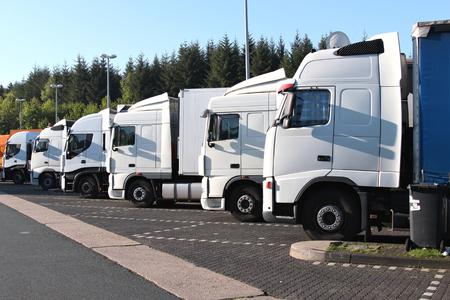 Arrêt de camion Banque d'images - 54273683