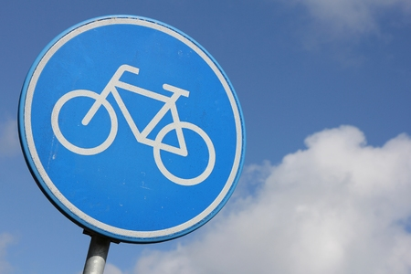 ciclos: Holandés señal de tráfico: ruta por solo ciclos de pedal