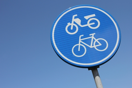 bikeway: Dutch road sign: route for pedal cycles and mopeds only