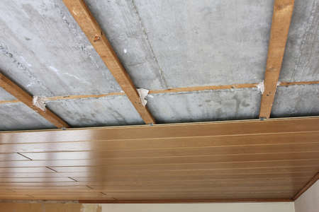 substructure: assembling  disassembling of ceiling panels